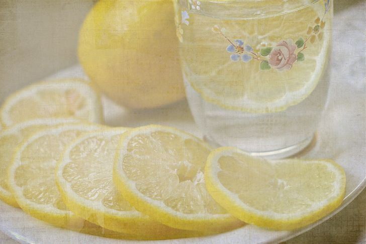This Is What Happens to Your Body When You Drink Lemon Water