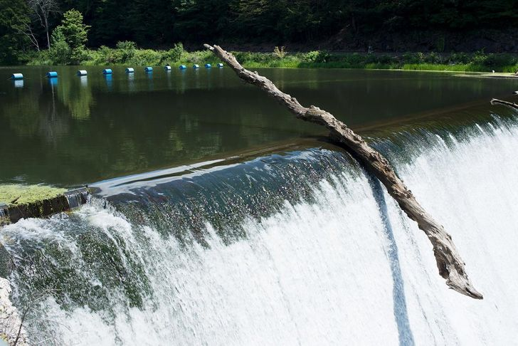 20 Photos That Can Make You Doubt the Laws of Physics