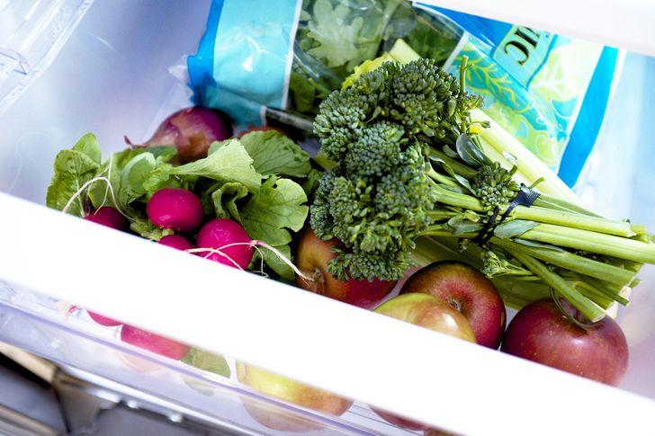 18Ingenious Tricks toHelp Keep Fruits and Vegetables Fresh