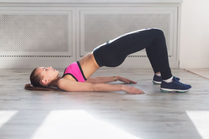 12 Light Fat-Burning Exercises You Can Do Right in Bed