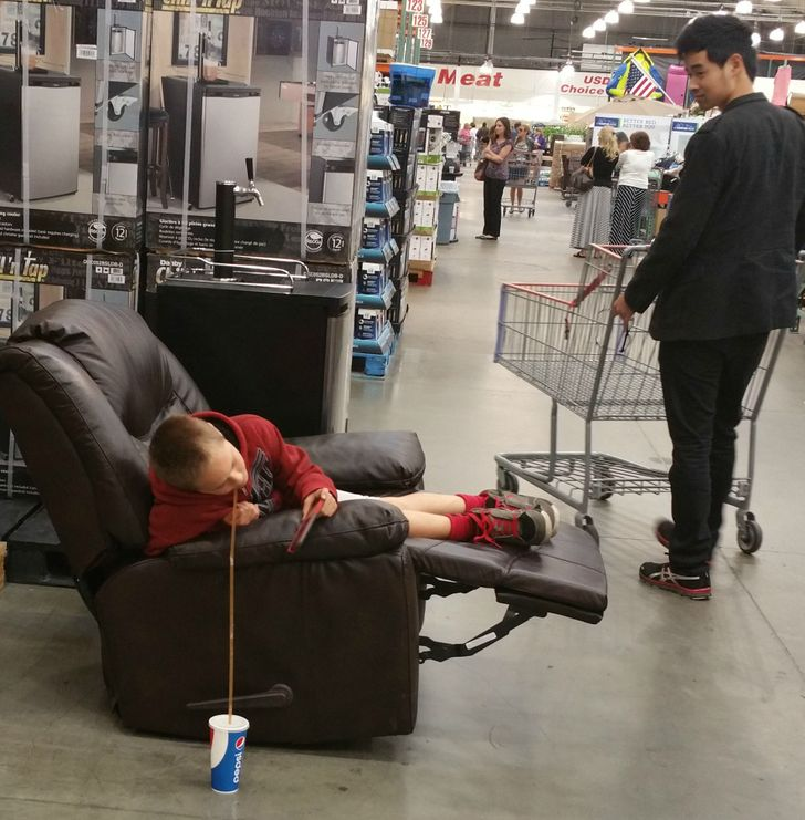 20 Times People Captured Really Wild Things at Costco