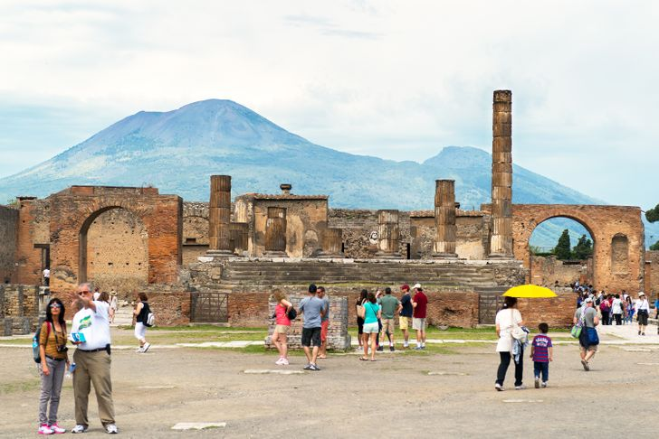 10 Staggering Facts About Pompeii That Reveal a Lot About the Eruption of Vesuvius