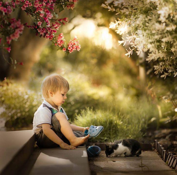 Bir Fotoğrafçı Çocuklarının Hayatlarını Bir Peri Masalına Çevirir ve Çekimleri O Kadar Rahat, Kendinizi Evde Hissedersiniz