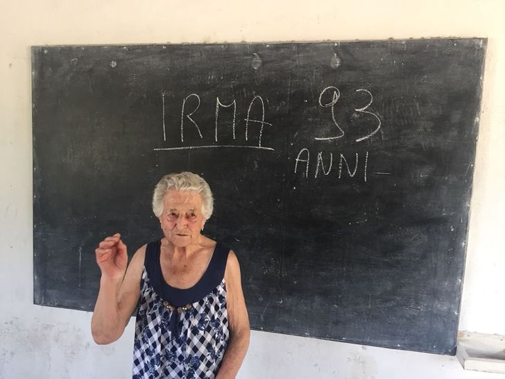 A 93-Year-Old Italian Lady Volunteered at a Kenyan Orphanage and Captured the Hearts of Thousands of People