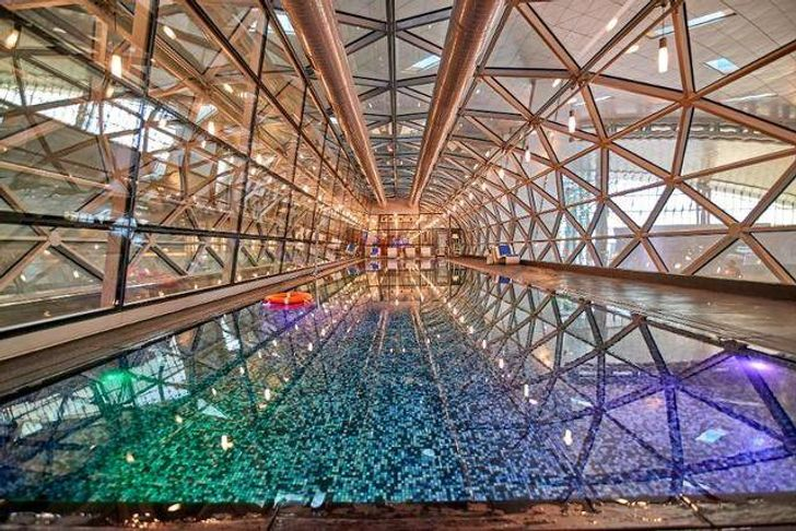 10Awesome Airports You Would BeHappy toGet Delayed In