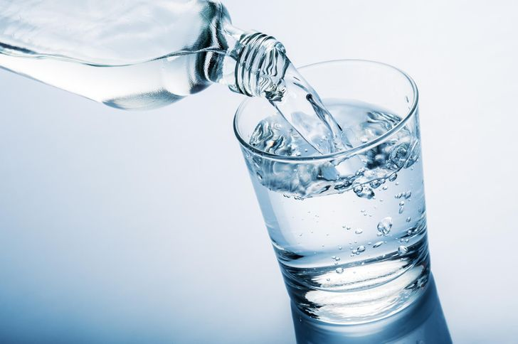 IDrank Water onanEmpty Stomach for aMonth and Here's What Happened