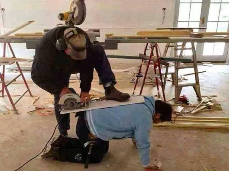 20Workers Who Only Need One Photo toExplain Everything toaTrauma Surgeon