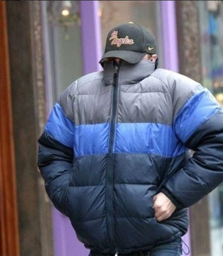 12Celebrities Who Reacted tothe Paparazzi inthe Most Ingenious Ways