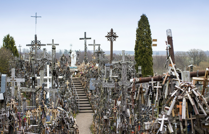 14Tourist Spots That Send Chills Down the Spine